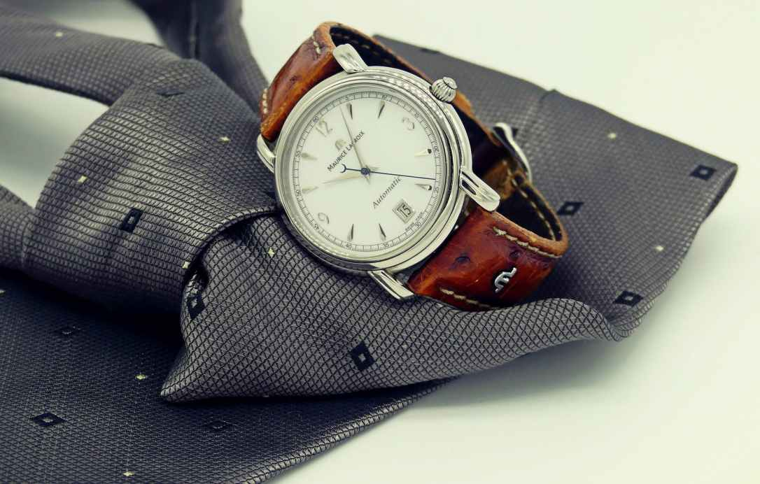 classic design elegant fashion